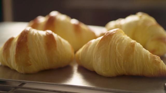 The Power of Frozen - Croissant