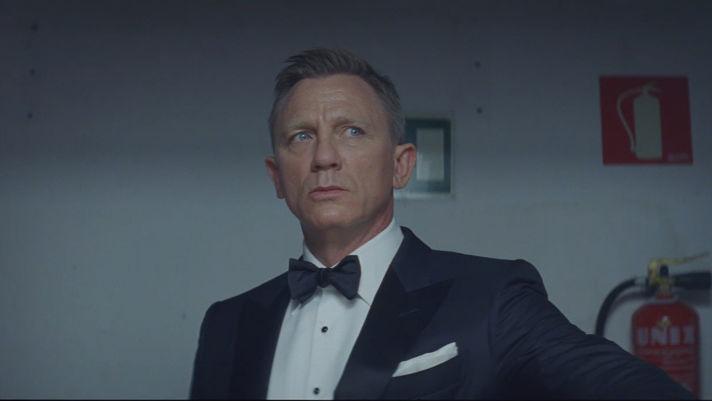 Daniel Craig vs. James Bond