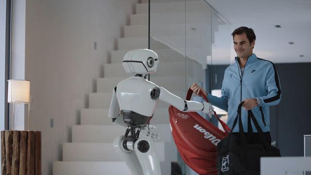 Federer vs Robot