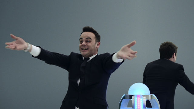 Ant & Dec - Push the Button - Race